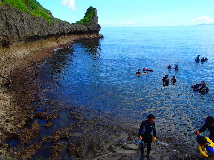 沖縄 青の洞窟 シュノーケリング