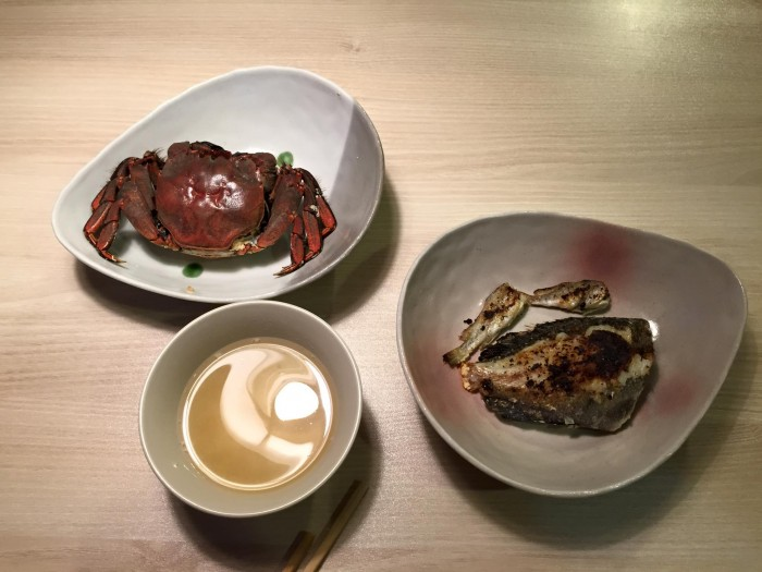 メジナ、イシモチ、モズクガニ料理